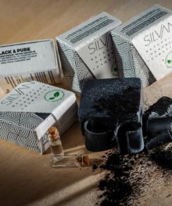 Mydło do twarzy i ciała Czarne i Czyste – węgiel aktywowany z olejkiem eterycznym z drzewa herbacianego